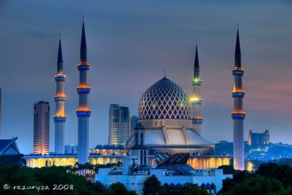 Masjid Sultan Salahuddin Abdul Aziz Shah at dusk, Shah Alam, Selangor, Malaysia